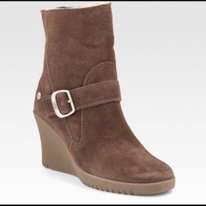 UGG Gisselle Brown Wedge Bootie Size 6